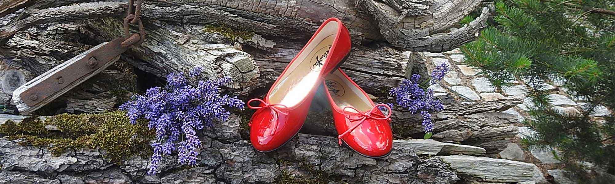 a4d70b9240d71 Rote Ballerinas & Boots - Petruska Design-Ballerinas-Stiefel-Schuhe ...
